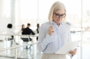 Businesswomenfeellikefraud